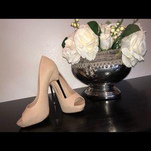 Aldo Nude size 6 heels